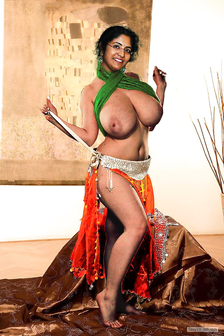 Slutty Indian Mom Showing Off Her Huge Tits
